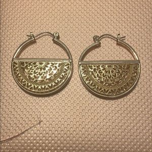 Cute brand new earrings